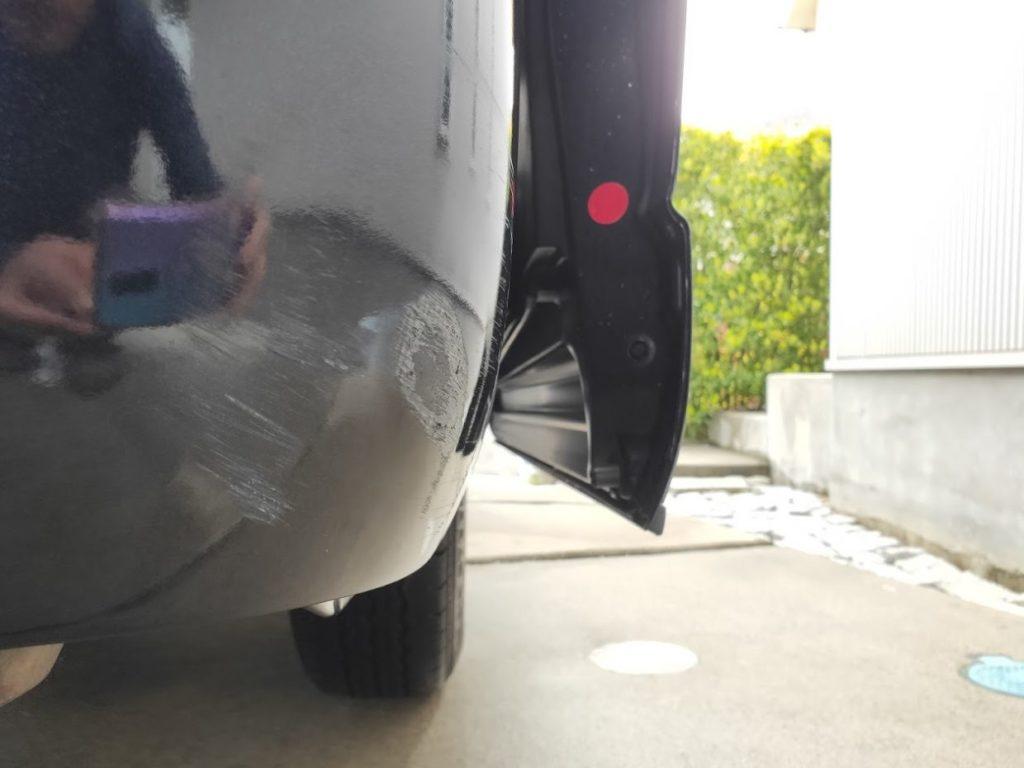 ハイエースの車体の傷1