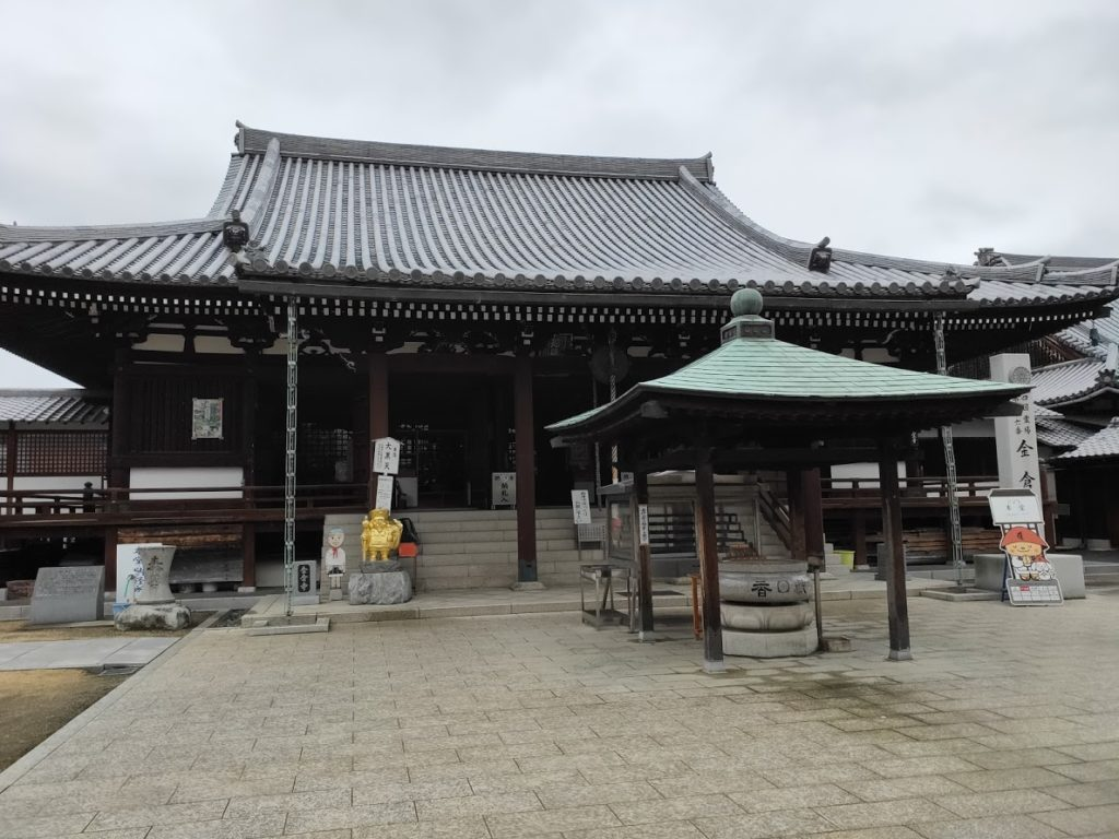 76番金倉寺の本堂