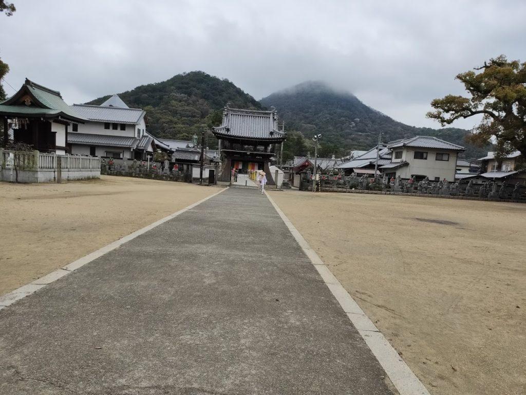 75番善通寺の庭