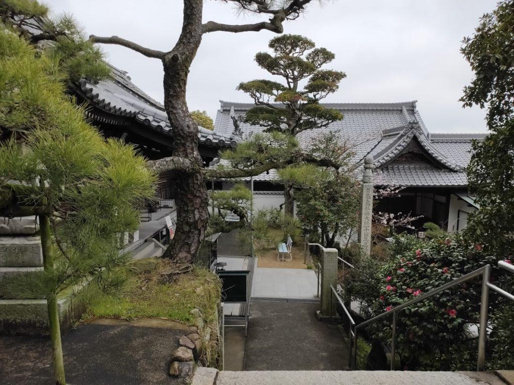 74番甲山寺の寺の景色