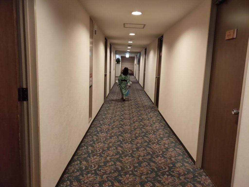新祖谷温泉ホテルかずら橋の廊下