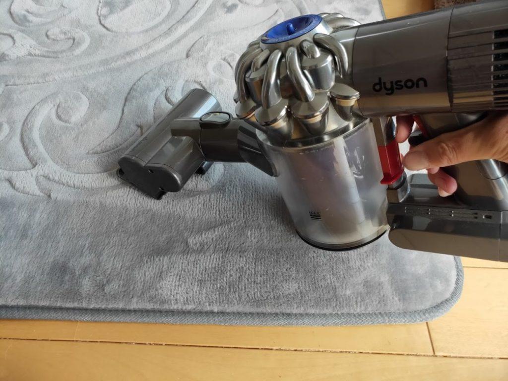 ダイソンDC62のミニモーターヘッドで掃除