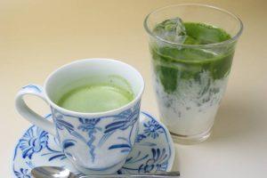 抹茶オーレ ホット/アイス(各500円)