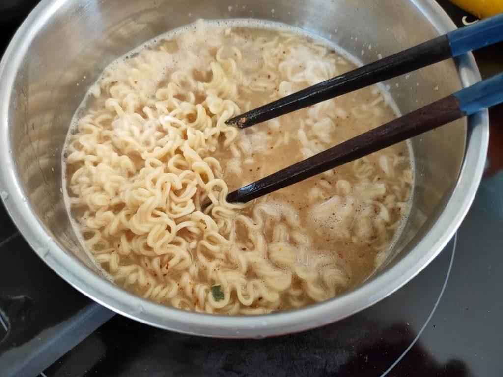 タイヤムヤムトムヤムシュリンプの調理2
