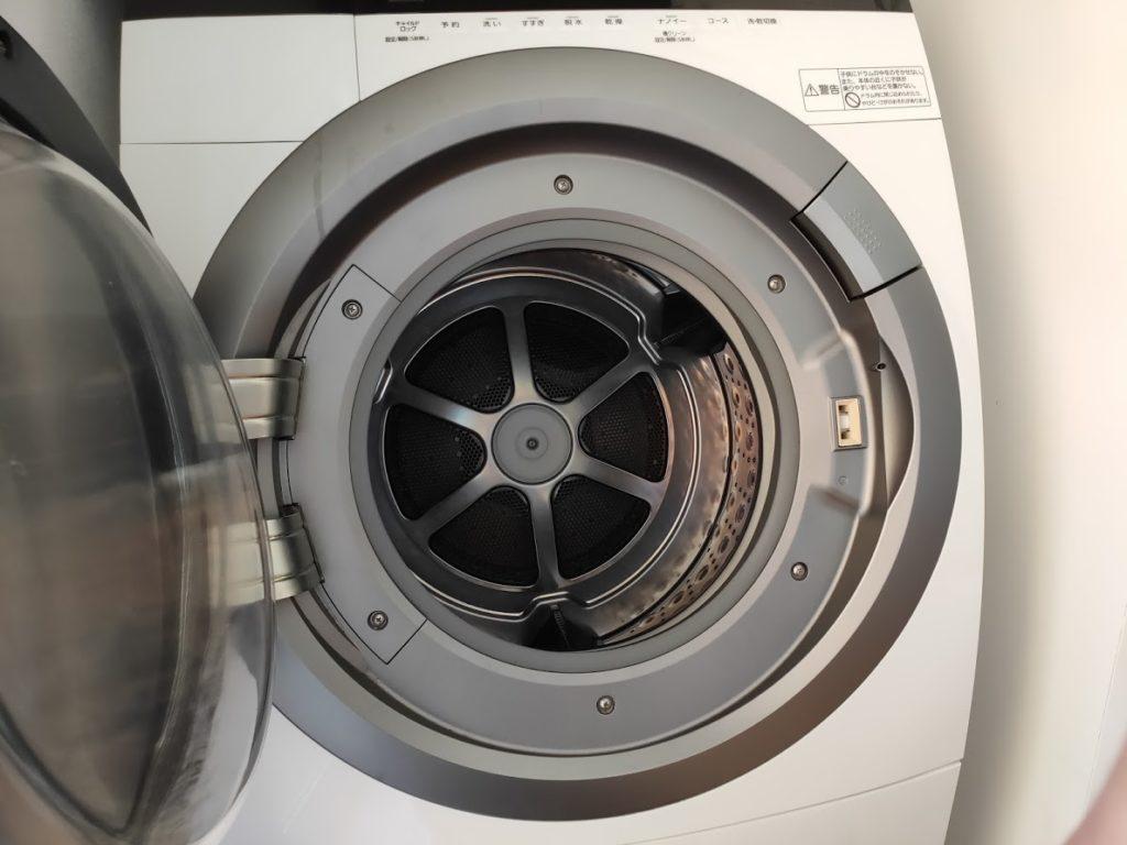 パナソニック洗濯乾燥機のドア開けたところ