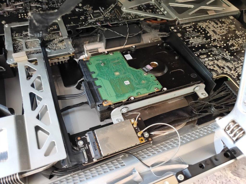 マイimacのHDD交換HDDの場所