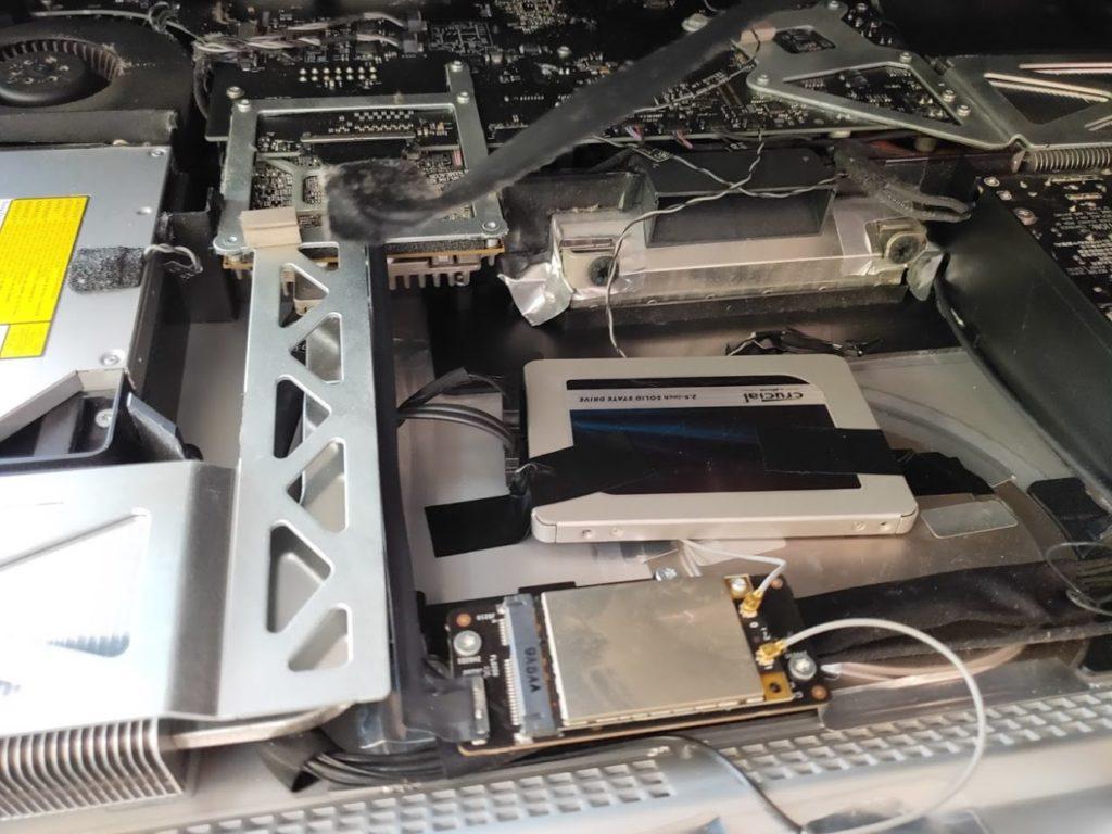 マイimacのHDD交換のSSD入れ替え後取り付け