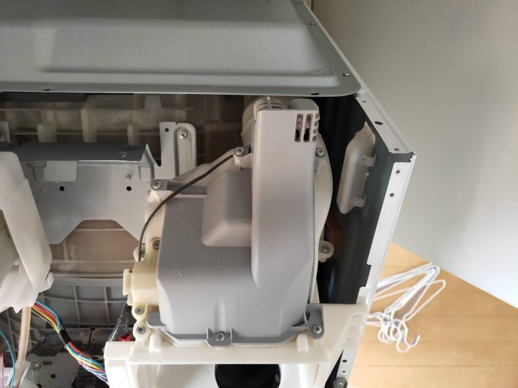 パナソニック洗濯乾燥機の空気排出ボックス1