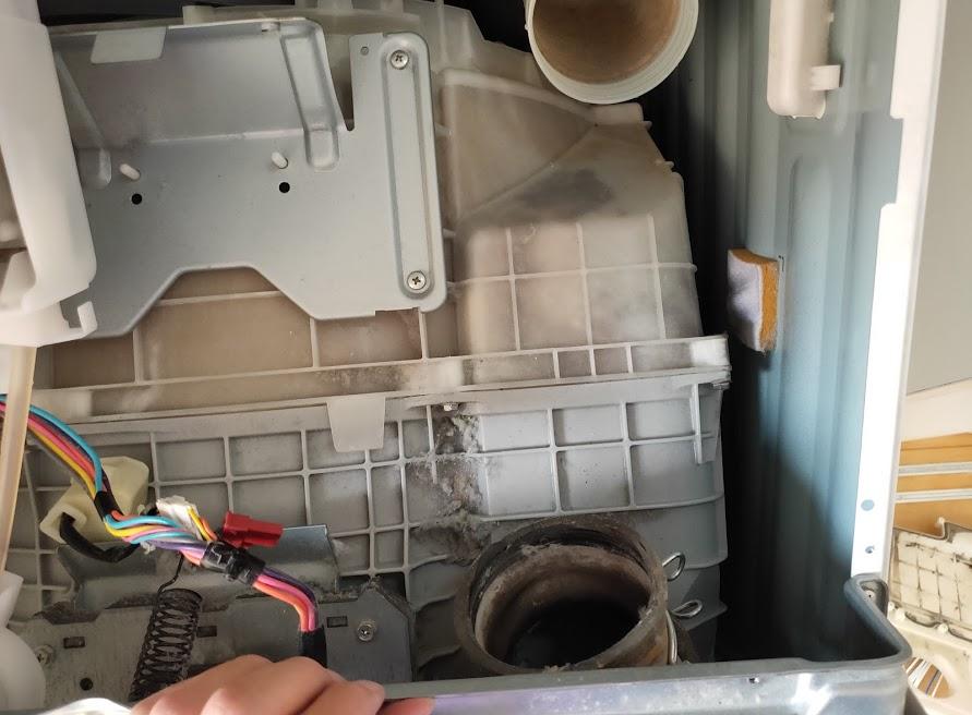 パナソニック洗濯乾燥機のドラムとホース