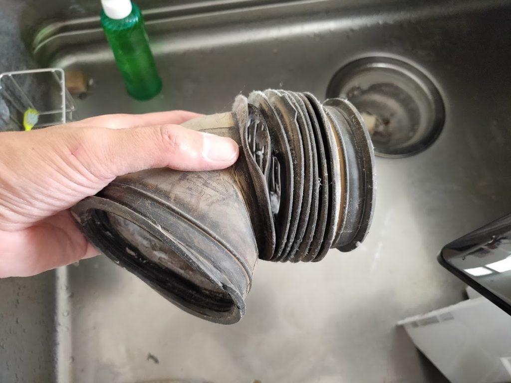 パナソニック洗濯乾燥機のドラム接続ホース亀裂