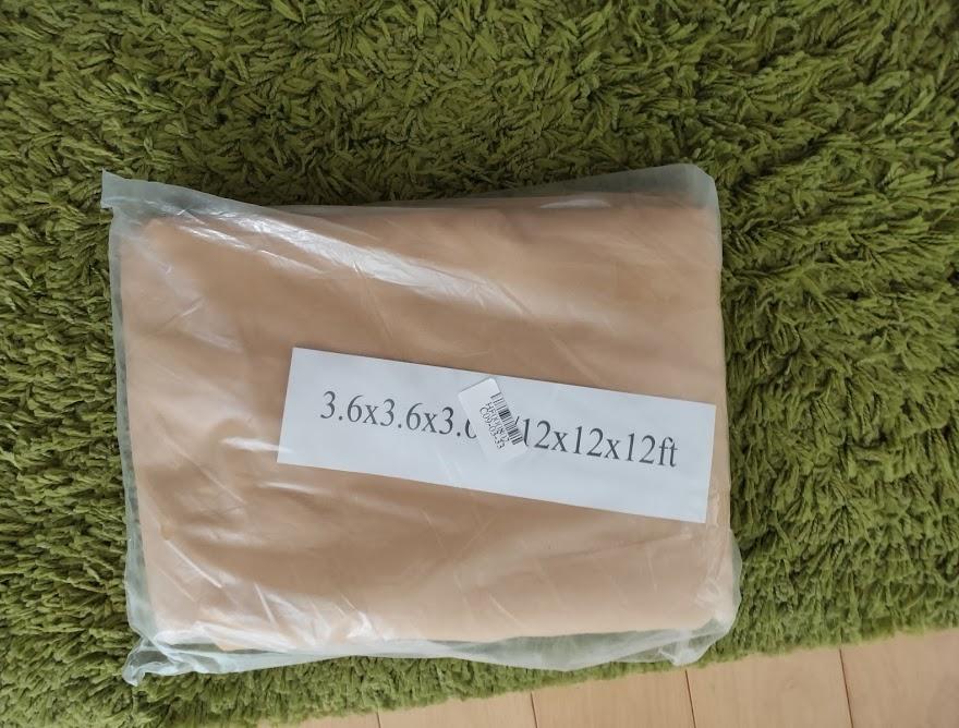 家庭用タープの届いたパッケージ