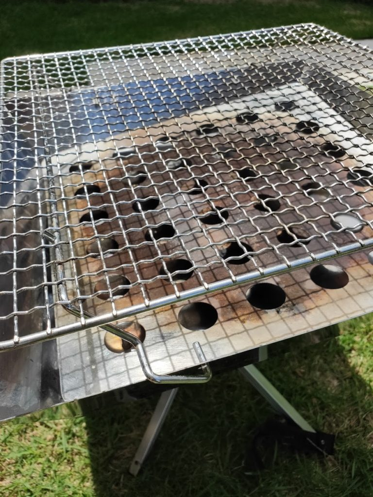 キャンパーズコレクション焚き火台のグリル