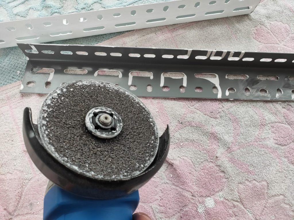 スチールラックを削るディスク1