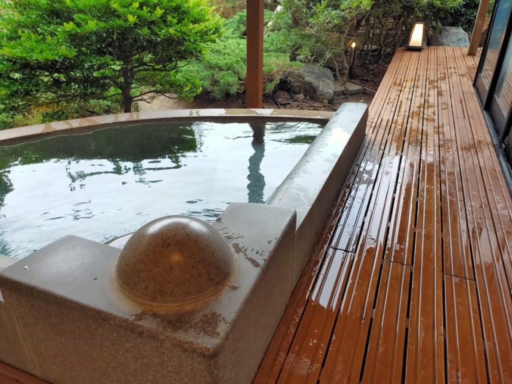 皆生温泉白扇の露天風呂の通常のお湯2