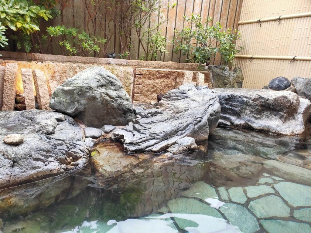 皆生温泉白扇の露天風呂の源泉3