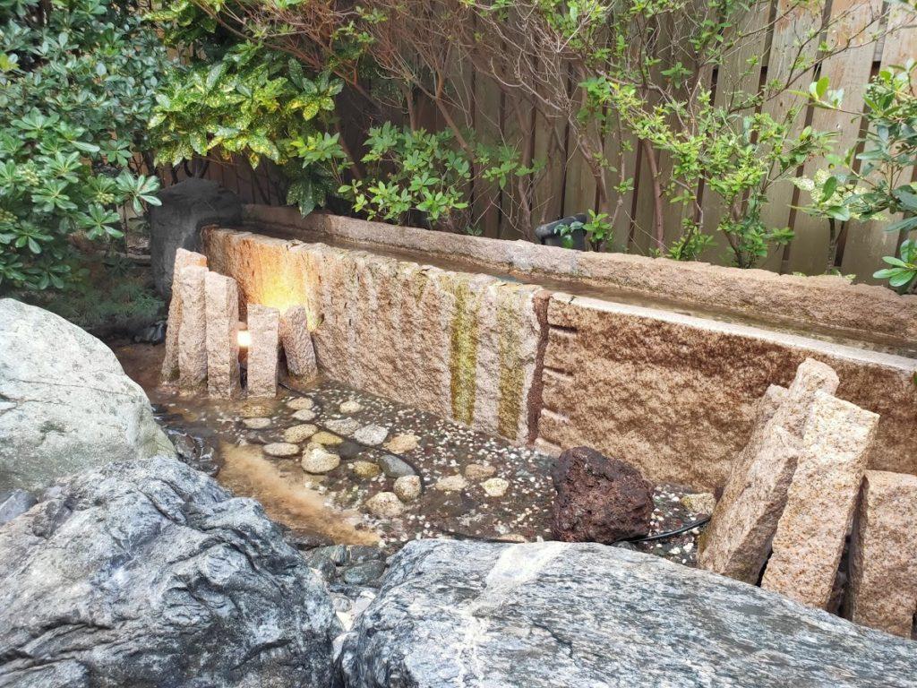 皆生温泉白扇の露天風呂の源泉5