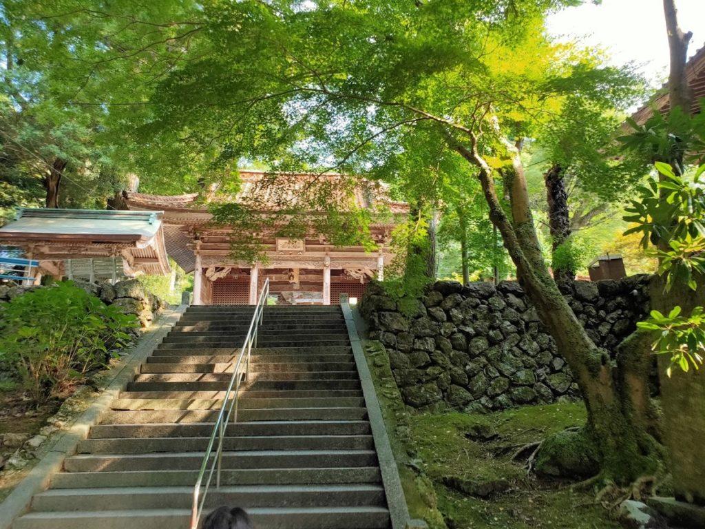 43番明石寺の山門入り口