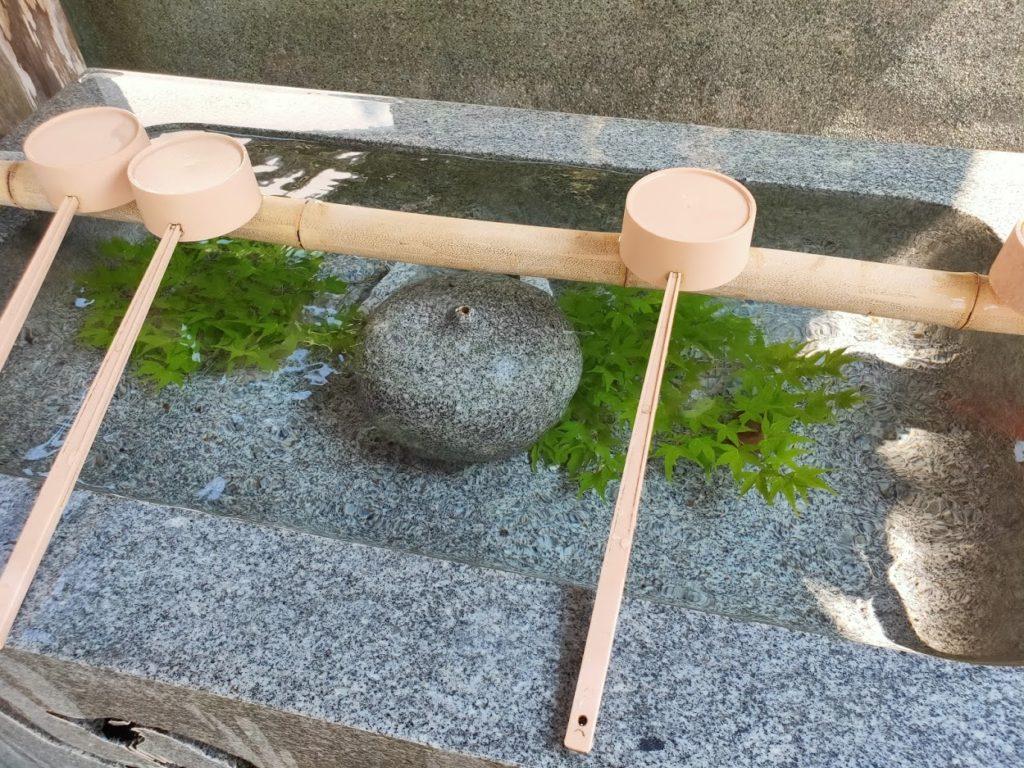 42番仏木寺の美しい手水場