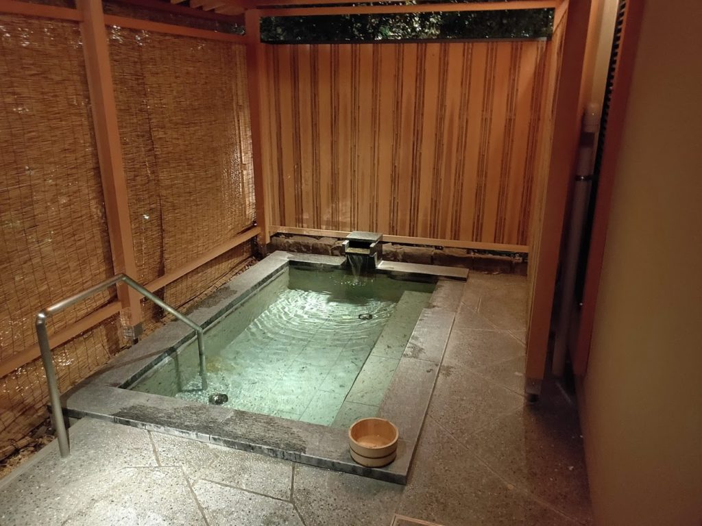 道後温泉ふなやの露天風呂1