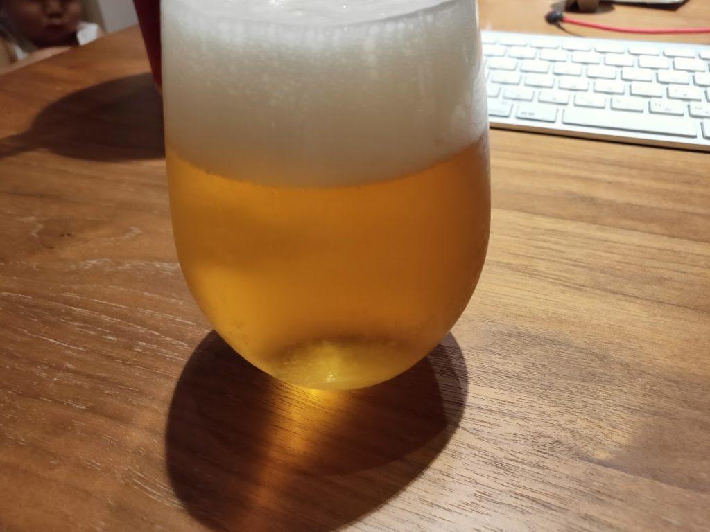 シンハービールとグラス2