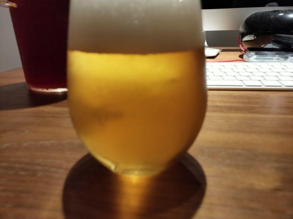 シンハービールとグラス1