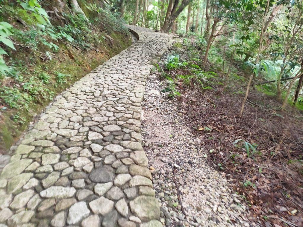 28番大日寺の奥の院へ行く道