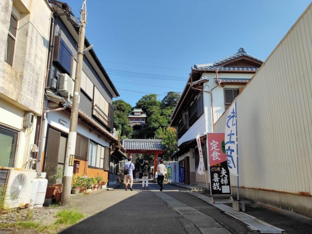 25番津照寺の寺への道
