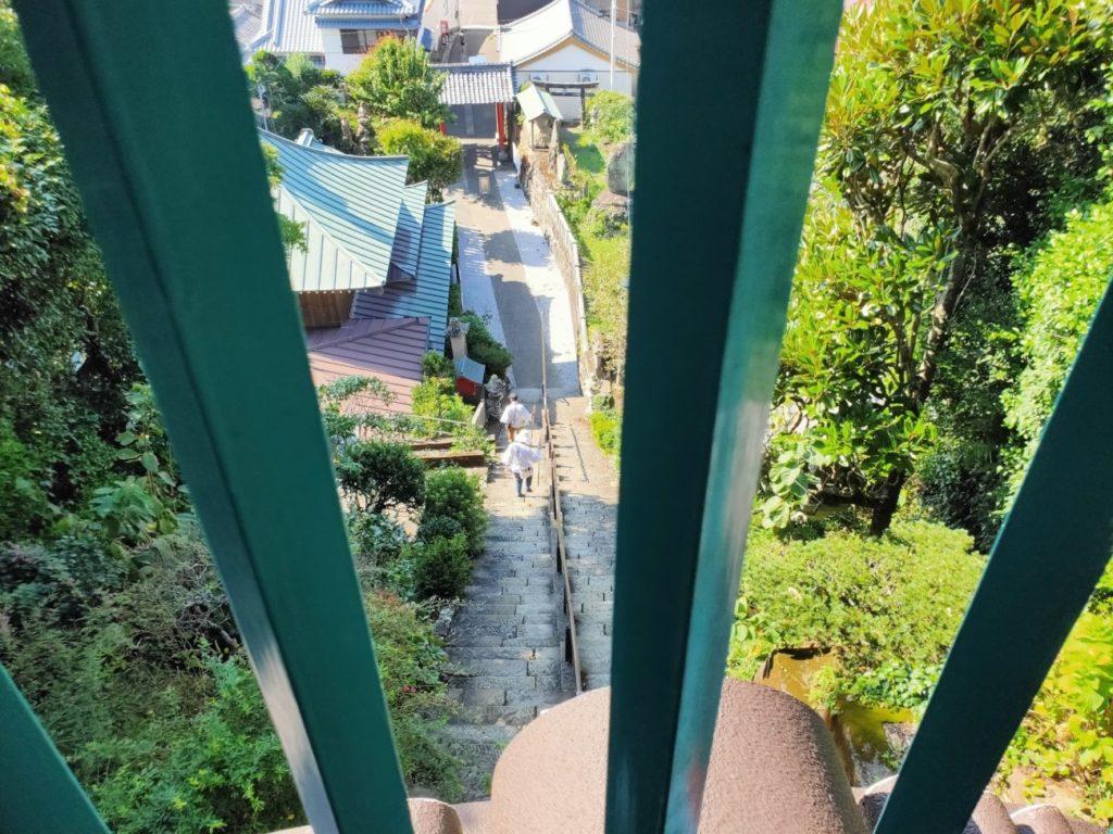 25番津照寺の鐘楼門からの風景