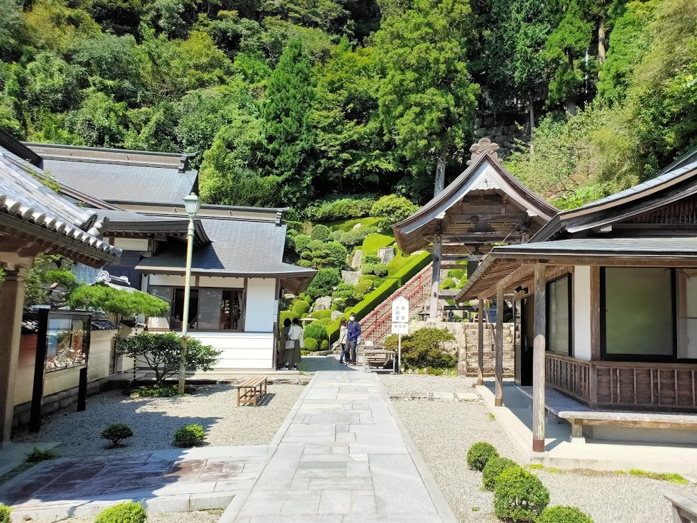 27番神峯寺の納経所