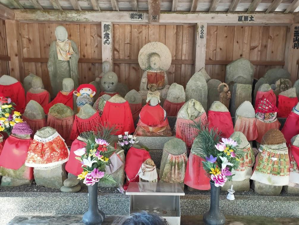 27番神峯寺の地蔵