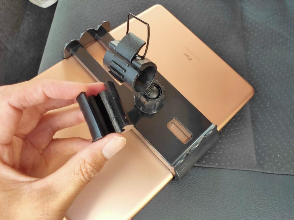 ハイエース用ipadホルダーのコネクター内側のゴム