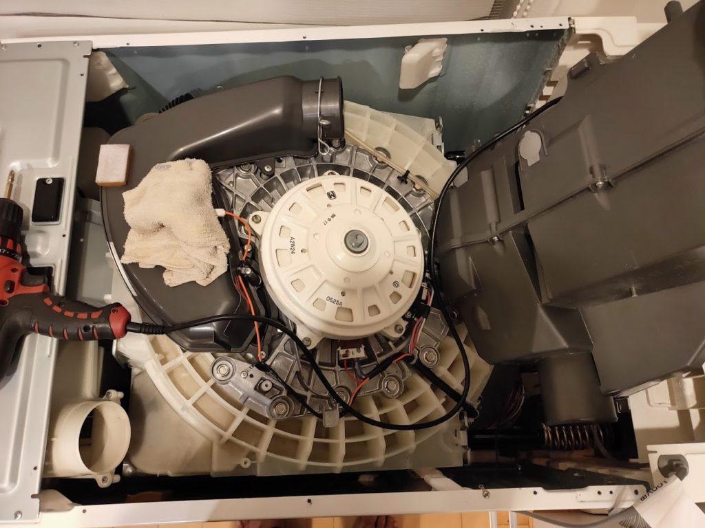 パナソニック洗濯機の本体内部