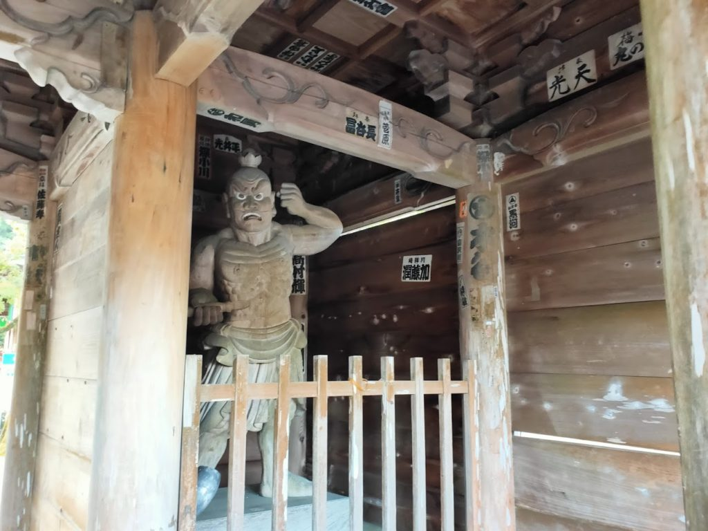 37番岩本寺の仁王