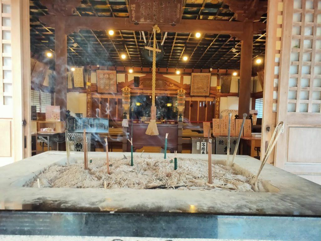 37番岩本寺の本堂