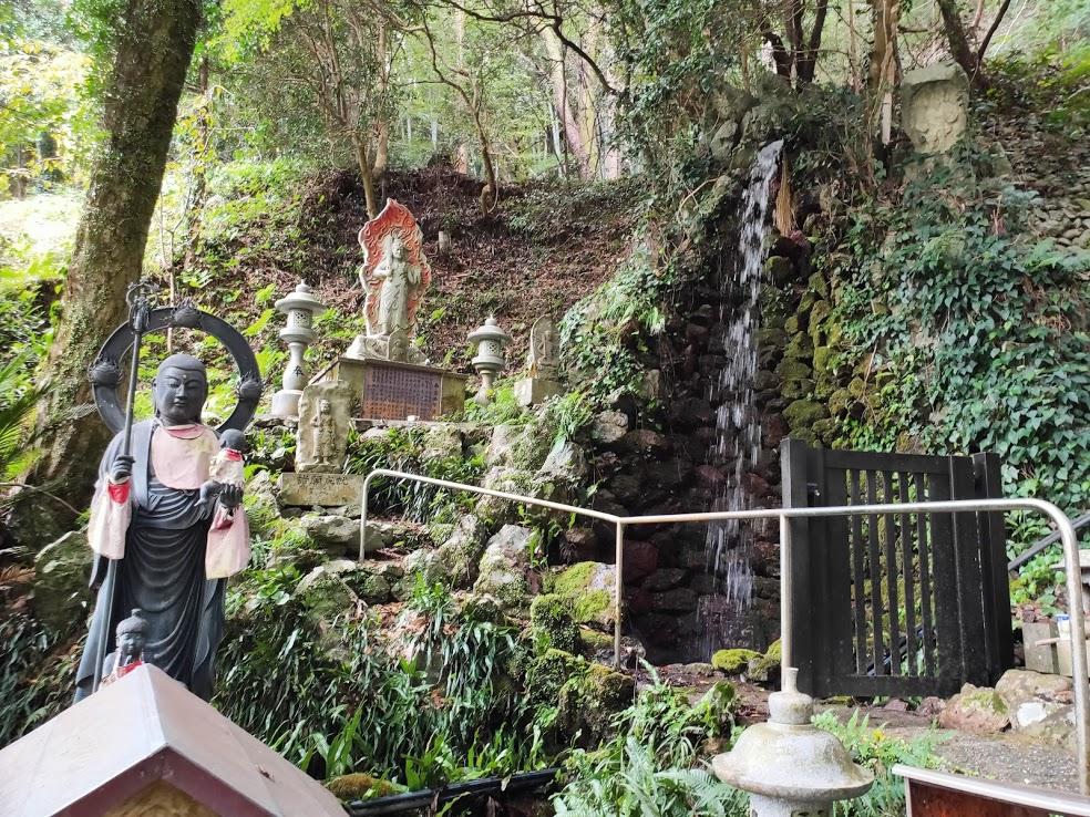 37番岩本寺の滝