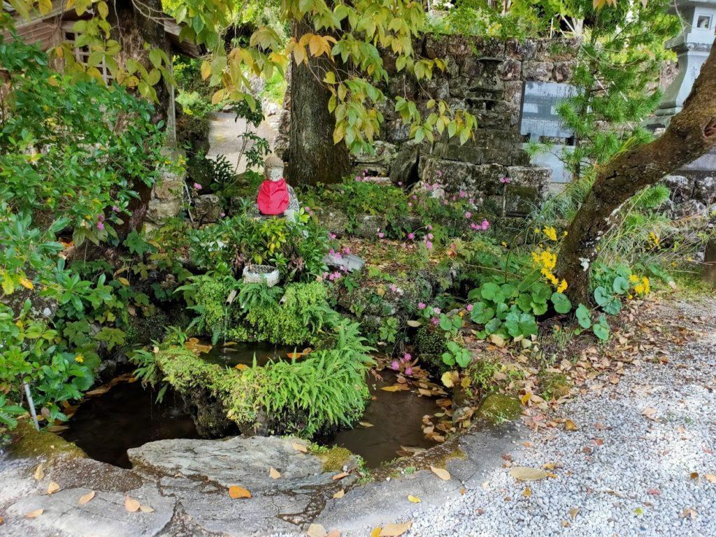 35番清瀧寺の池と地蔵