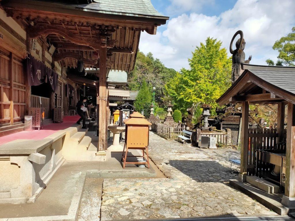 35番清瀧寺の境内