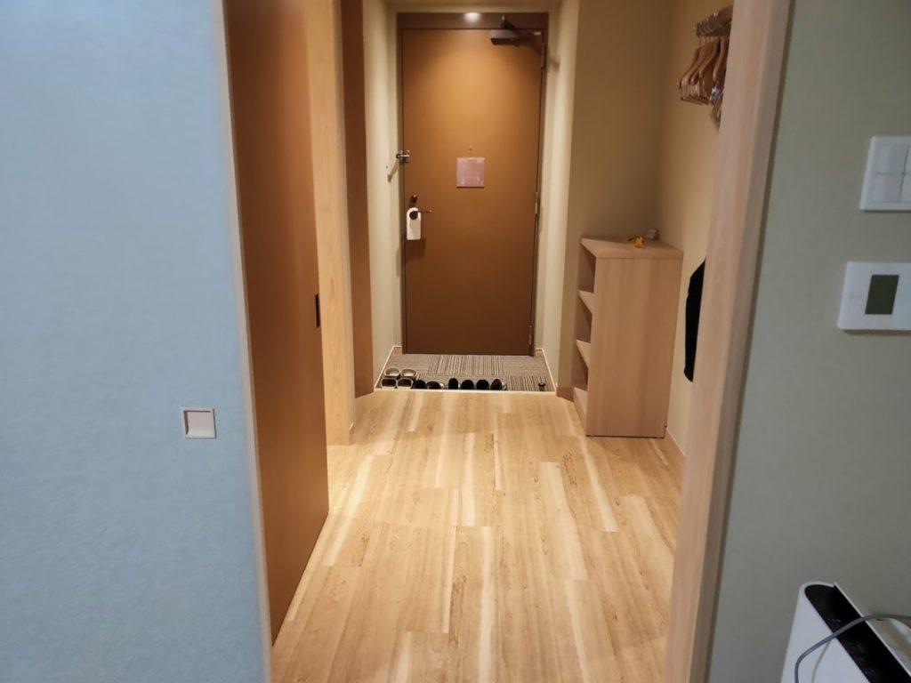 三翠園の部屋の入り口