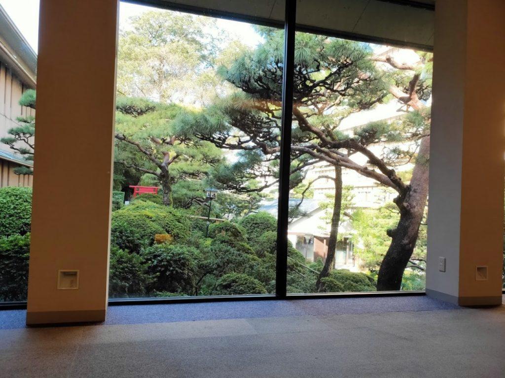 三翠園の内側からの景色