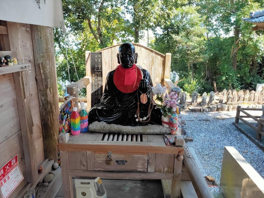 32番禅師峰寺のお賓頭盧さま