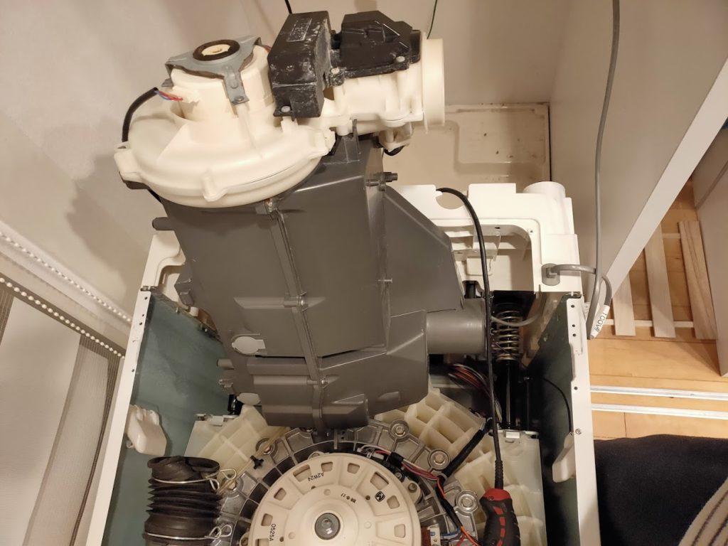 パナソニック洗濯乾燥機のヒートポンプスタンド