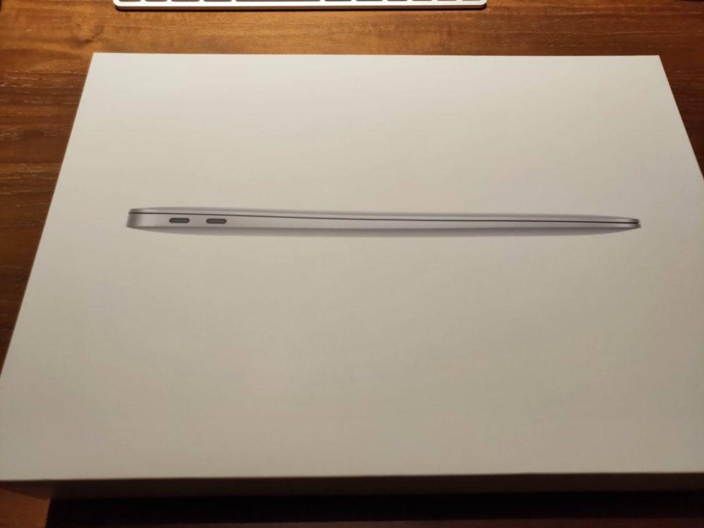 MacBookAirの化粧箱表面