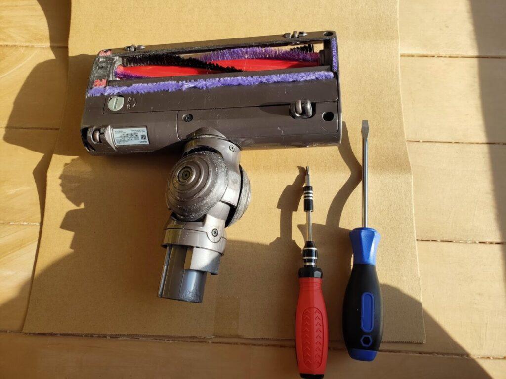 ダイソン掃除機ヘッド修理必要工具2本