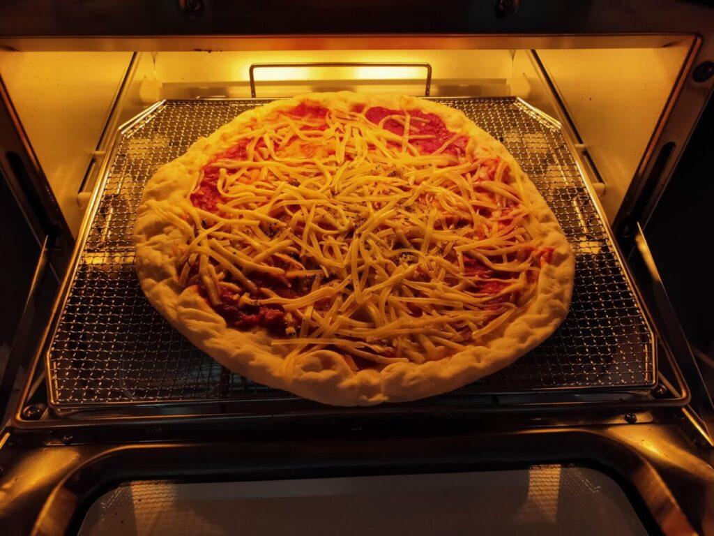アラジントースターのピザ2