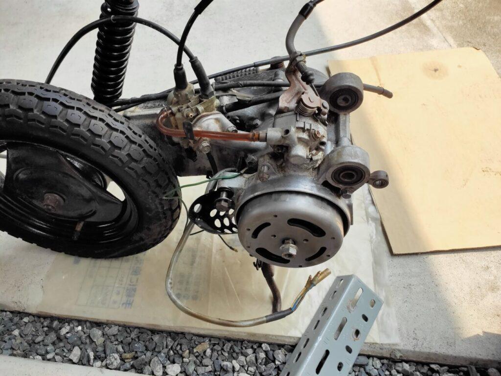 モトコンポのキャブレターとエンジン
