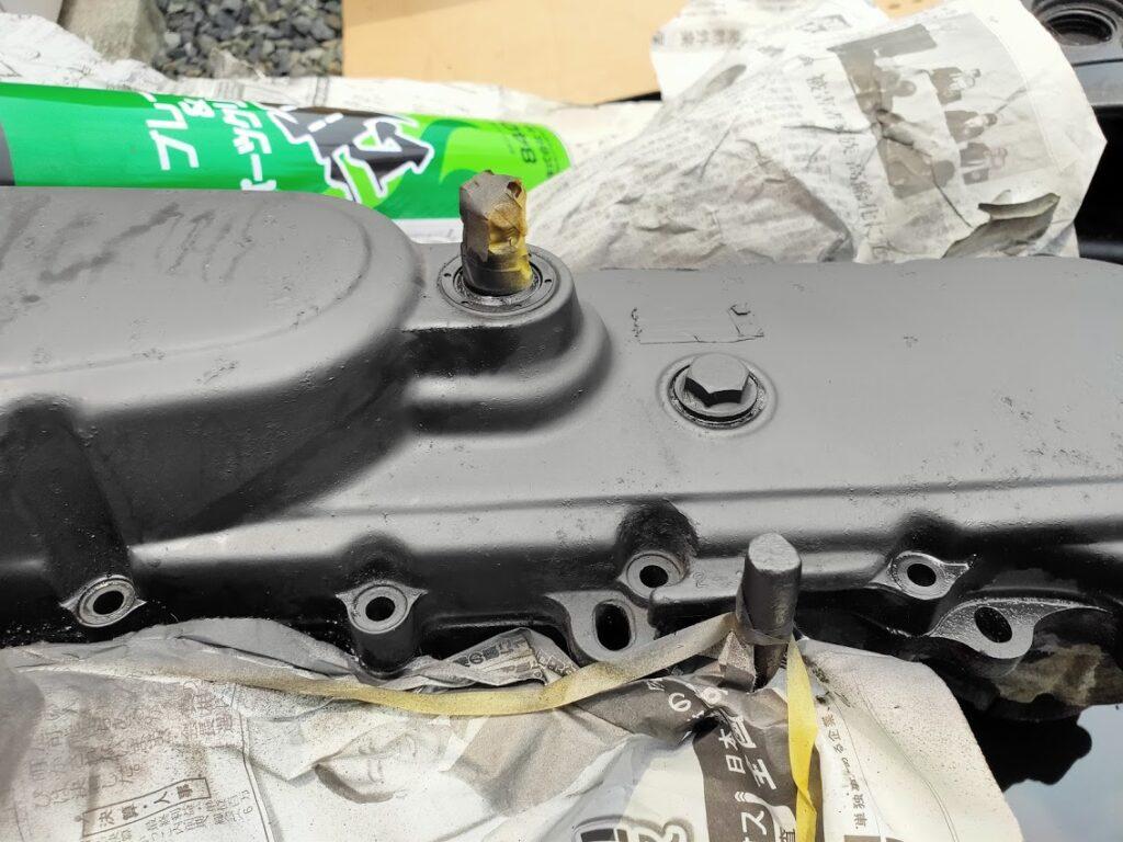 モトコンポのエンジンカバー塗装マスキング