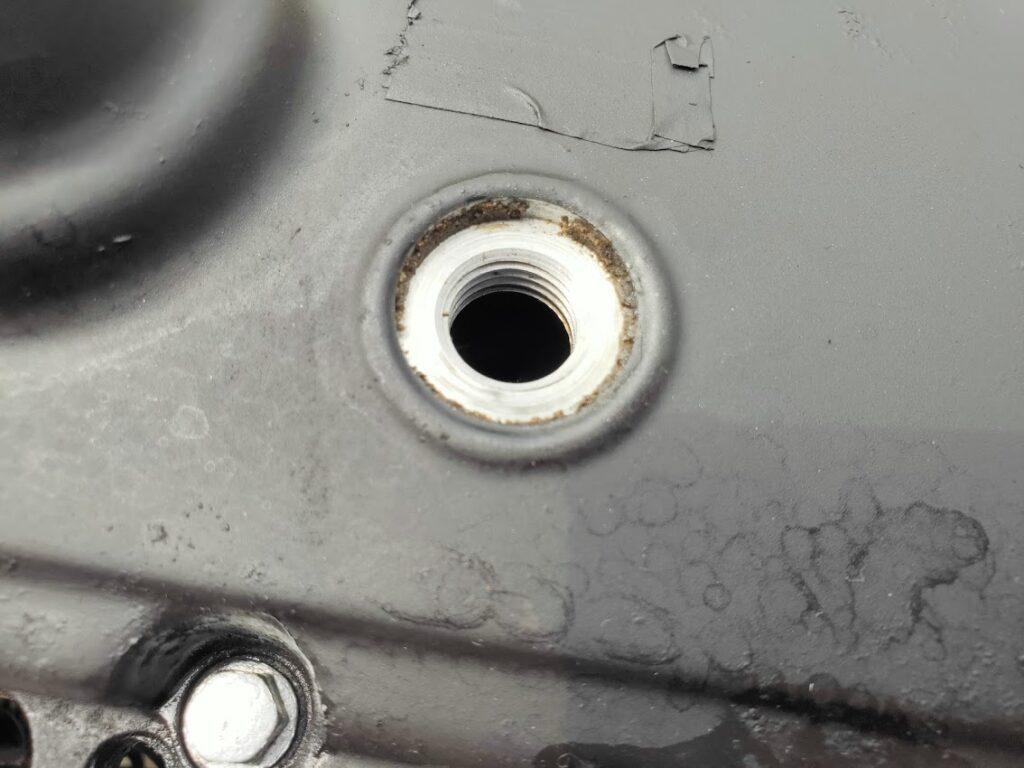 モトコンポのエンジンオイル注入口