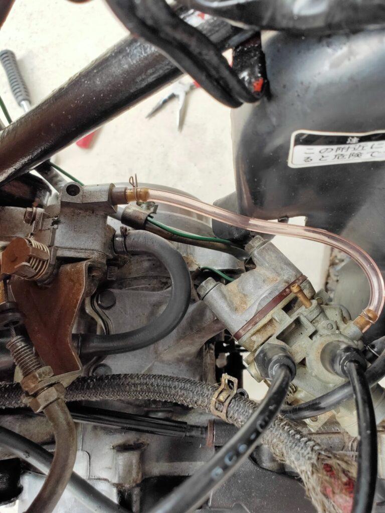 モトコンポのガソリンタンク配管