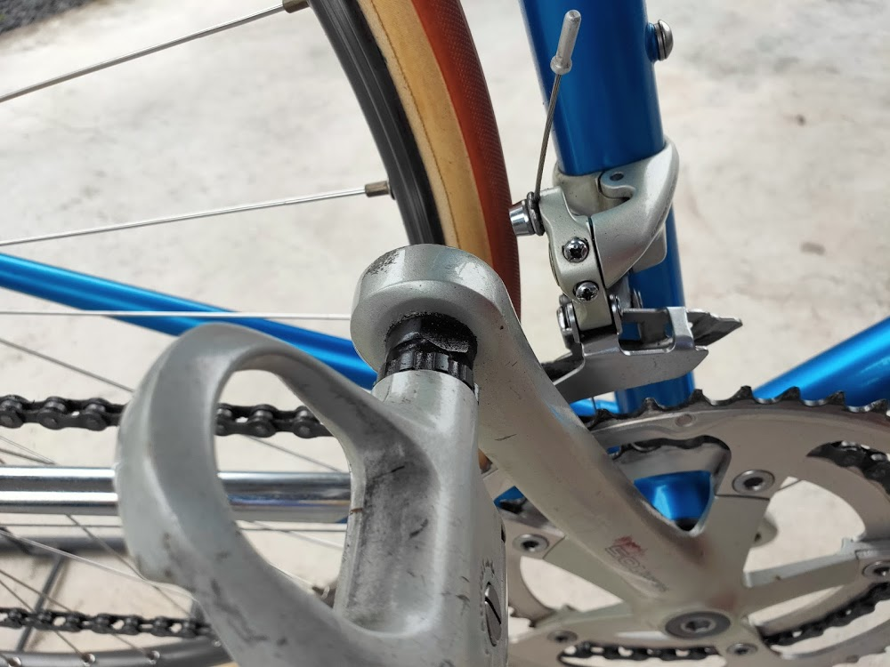 ロードバイクのペダル付け根