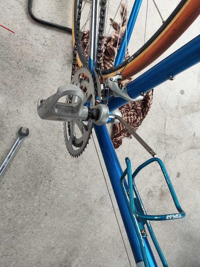 ロードバイクに六角を付ける